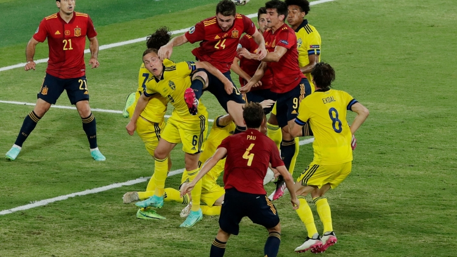 Bảng xếp hạng EURO 2021 mới nhất: Liên tiếp những bất ngờ