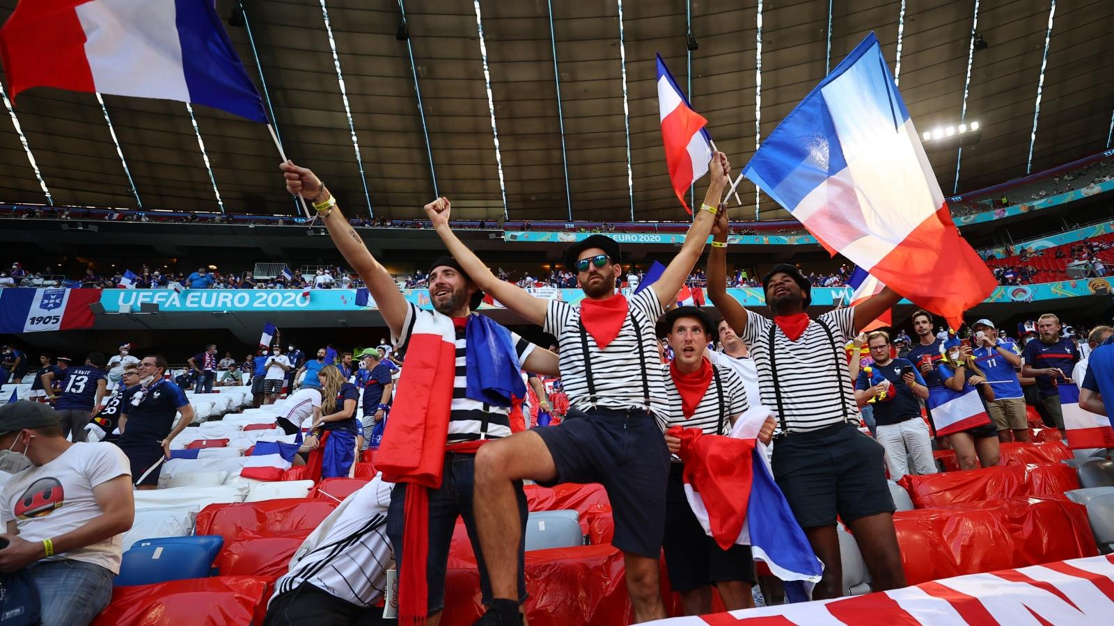 """Trực tiếp Pháp 0 - 0 Đức: """"Tử thần"""" vẫy gọi"""