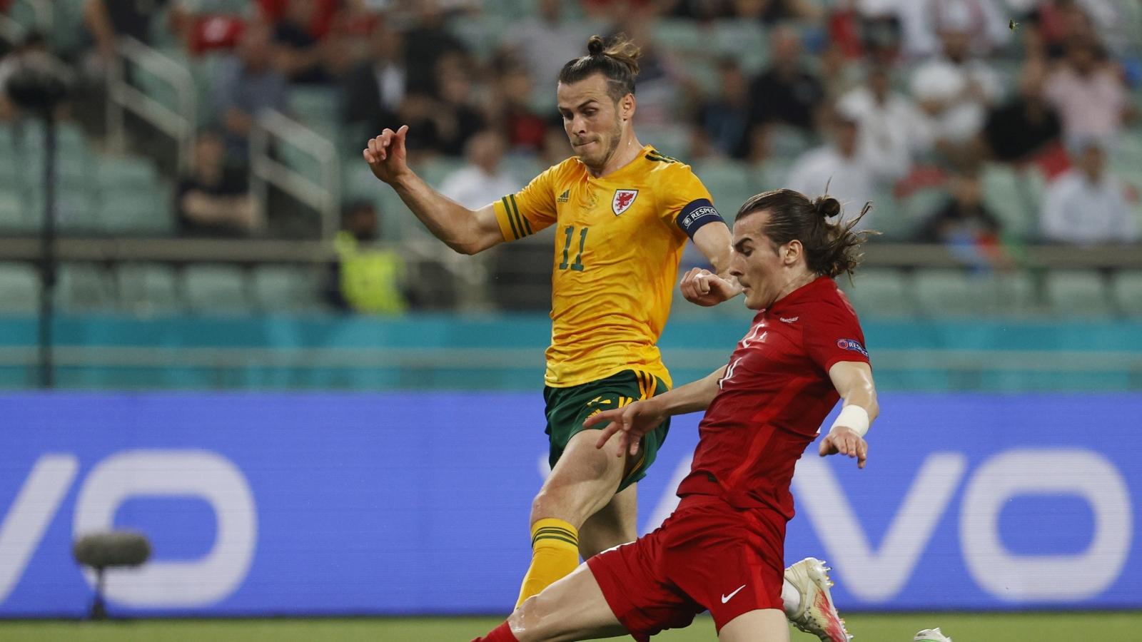 """Bale kiến tạo """"siêu hạng"""", Xứ Wales thắng dễ Thổ Nhĩ Kỳ"""