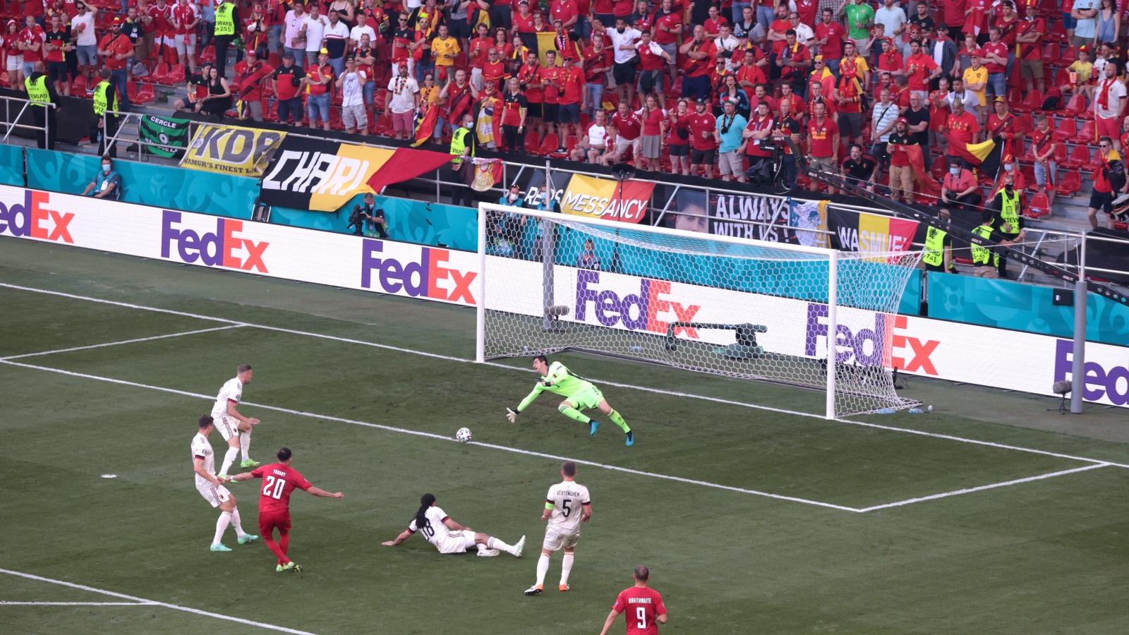 TRỰC TIẾP Đan Mạch 1-0 Bỉ: Chủ nhà tấn công rực lửa, Poulsen sớm mở tỷ số