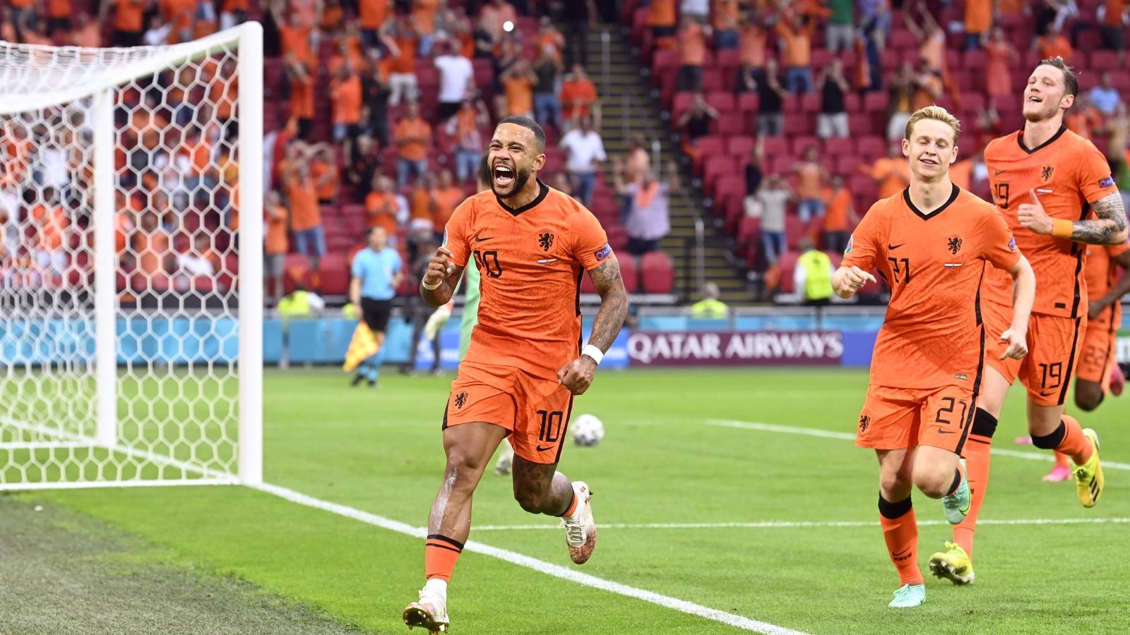 TRỰC TIẾP Hà Lan 1-0 Áo: Depay đá phạt đền mở tỷ số