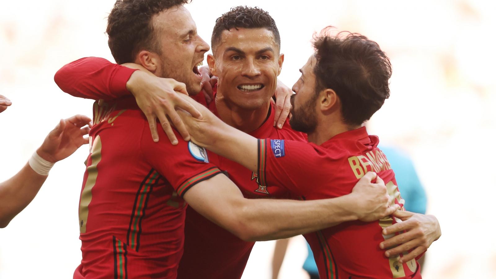 Trực tiếp Bồ Đào Nha 1-0 Đức: Ronaldo ghi bàn đẳng cấp
