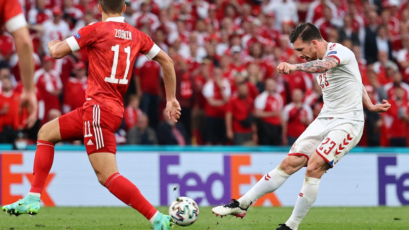 """TRỰC TIẾP Nga 1-3 Đan Mạch: Christensen """"nã đại bác"""" cháy lưới Nga"""