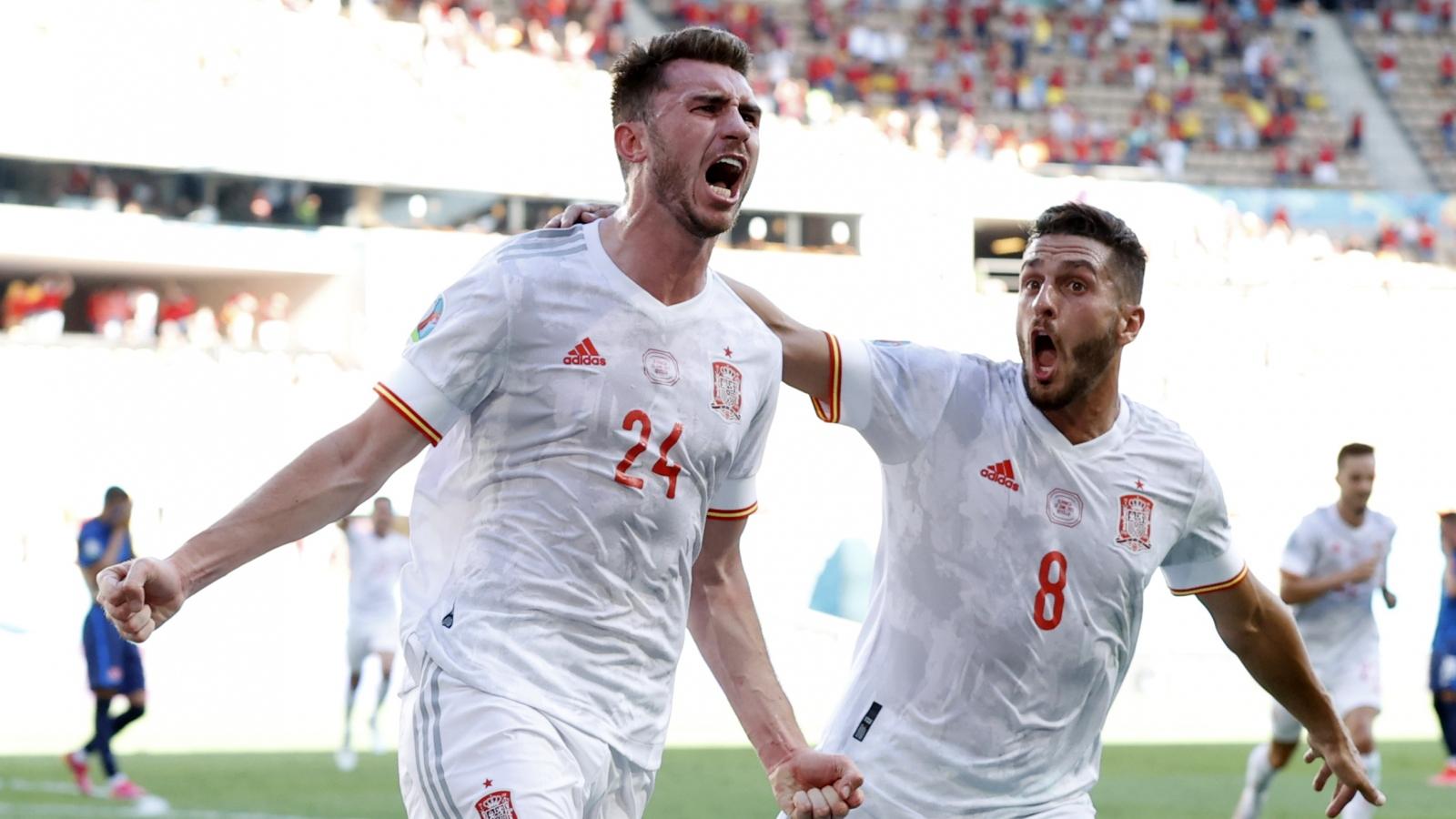 """Thắng """"bàn tay nhỏ"""" trước Slovakia, Tây Ban Nha đụng Croatia ở vòng 1/8 EURO 2021"""