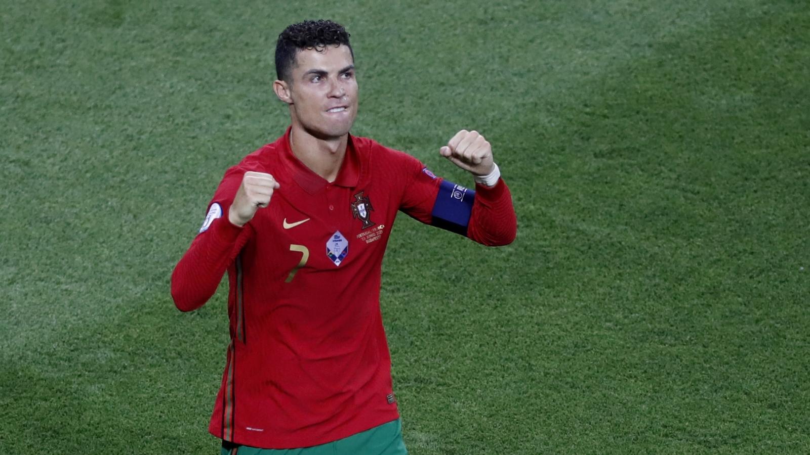 Ronaldo lập siêu kỷ lục sau trận Bồ Đào Nha 2-2 Pháp