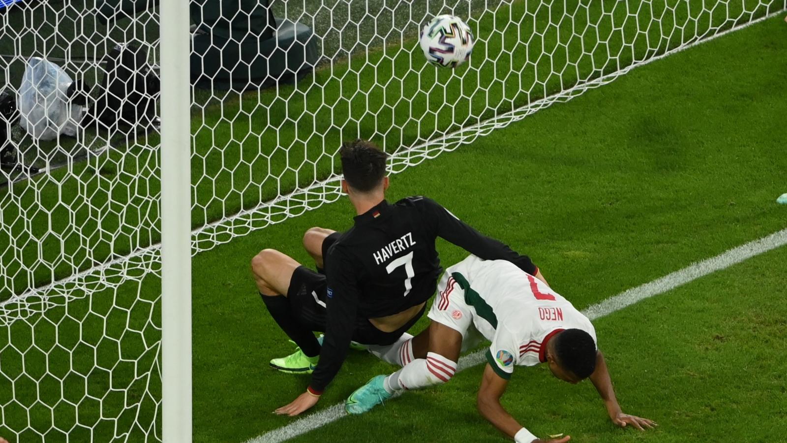 TRỰC TIẾP Đức 2-2 Hungary: Goretzka ghi bàn thắng quý giá