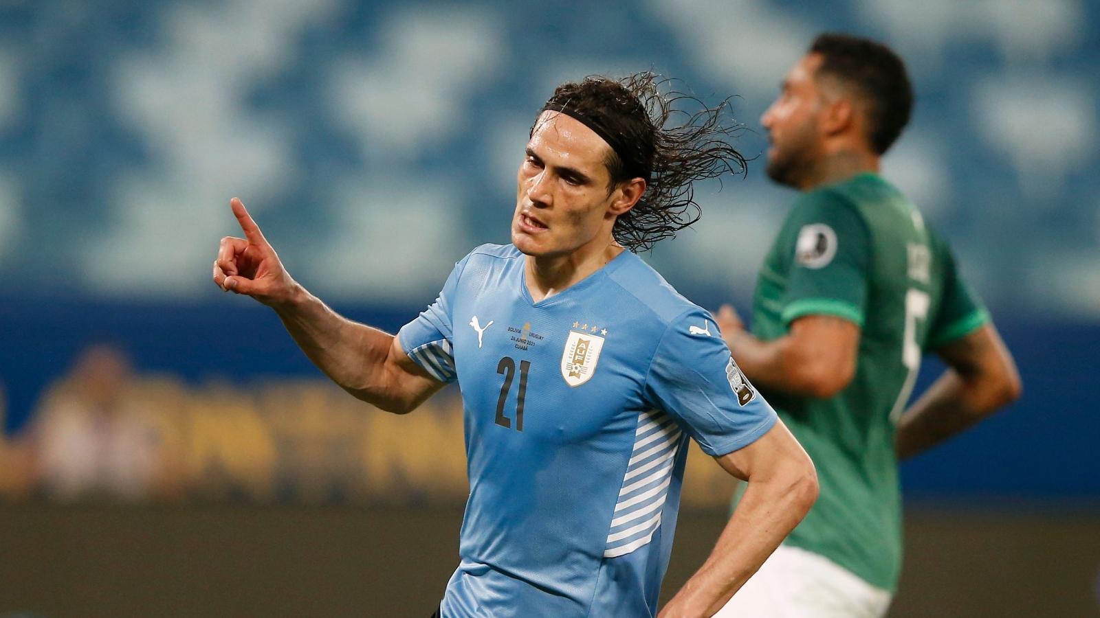 Cavani đưa Uruguay vào tứ kết Copa America 2021