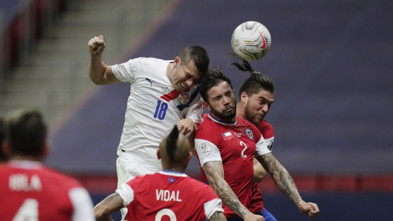 "Chile thua ""muối mặt"" trước Paraguay ở Copa America 2021"