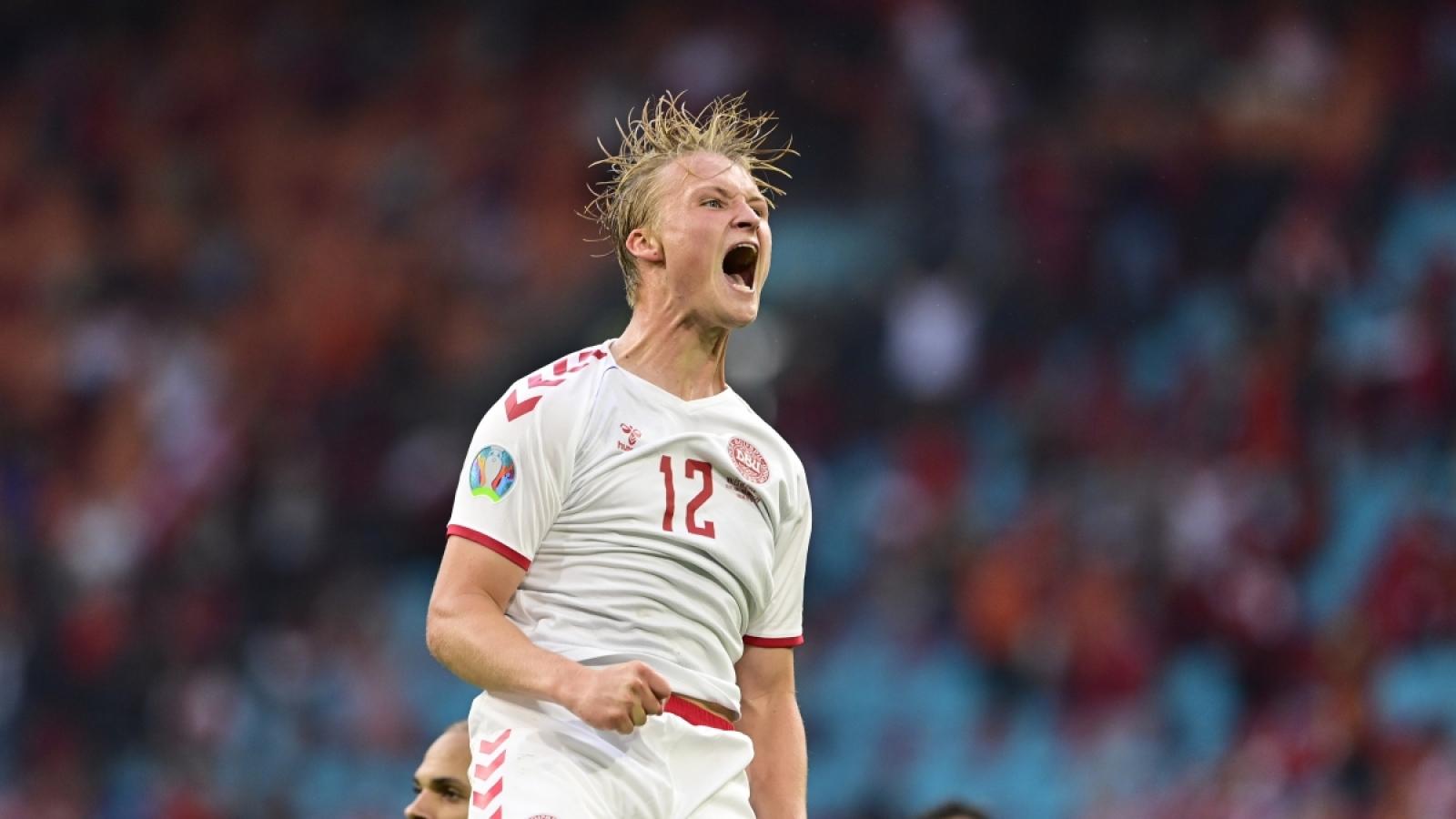 Đan Mạch và Italia giành vé vào tứ kết EURO 2021