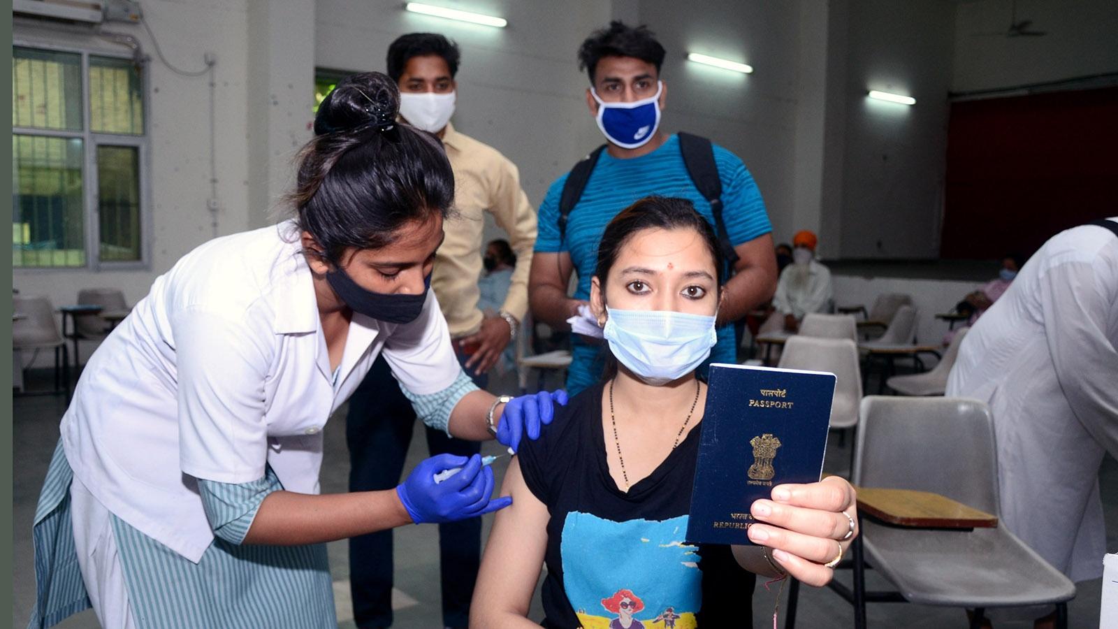 """Ấn Độ sẽ thảo luận """"hộ chiếu vaccine"""" trên cơ sở công bằng trong tiếp cận"""