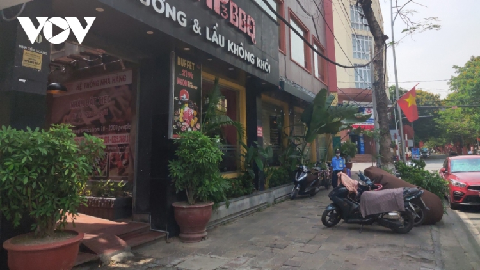 Hai Phong allows resumption of several services
