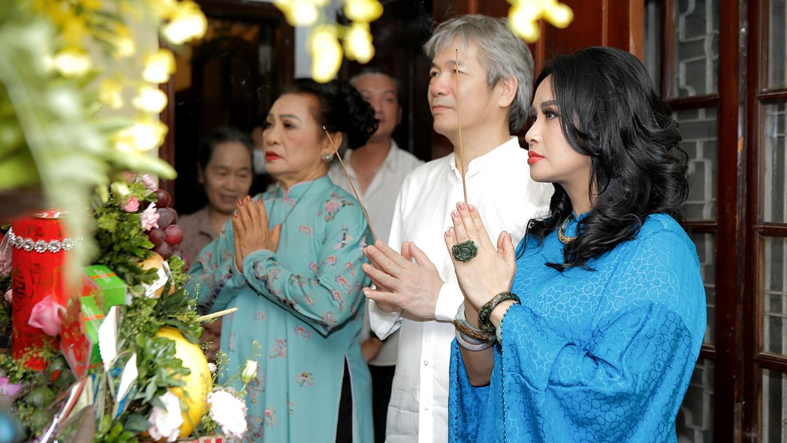 Diva Thanh Lam và bạn trai bác sĩ tổ chức lễ dạm ngõ