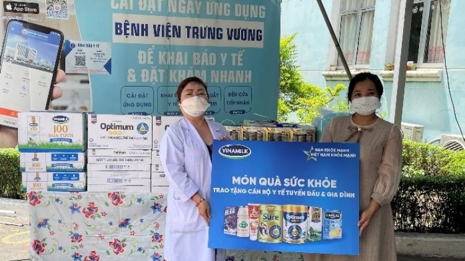 Món quà sức khỏe Vinamilk gửi đến Bệnh viện Trưng Vương TP.HCM