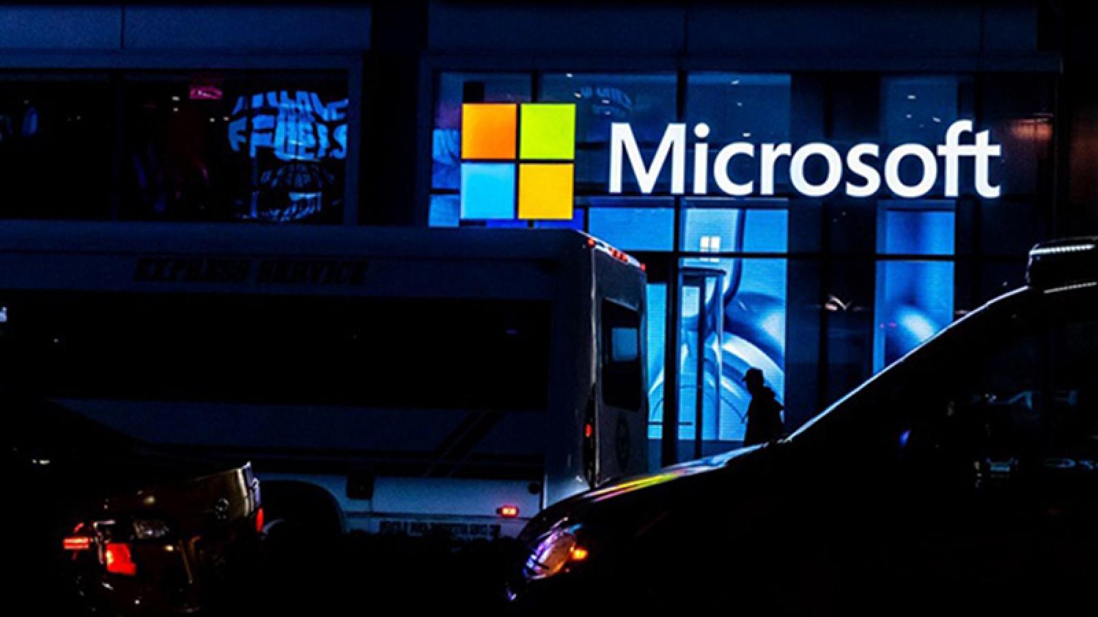 Hơn 21 năm, Microsoft mới có một CEO kiêm chủ tịch