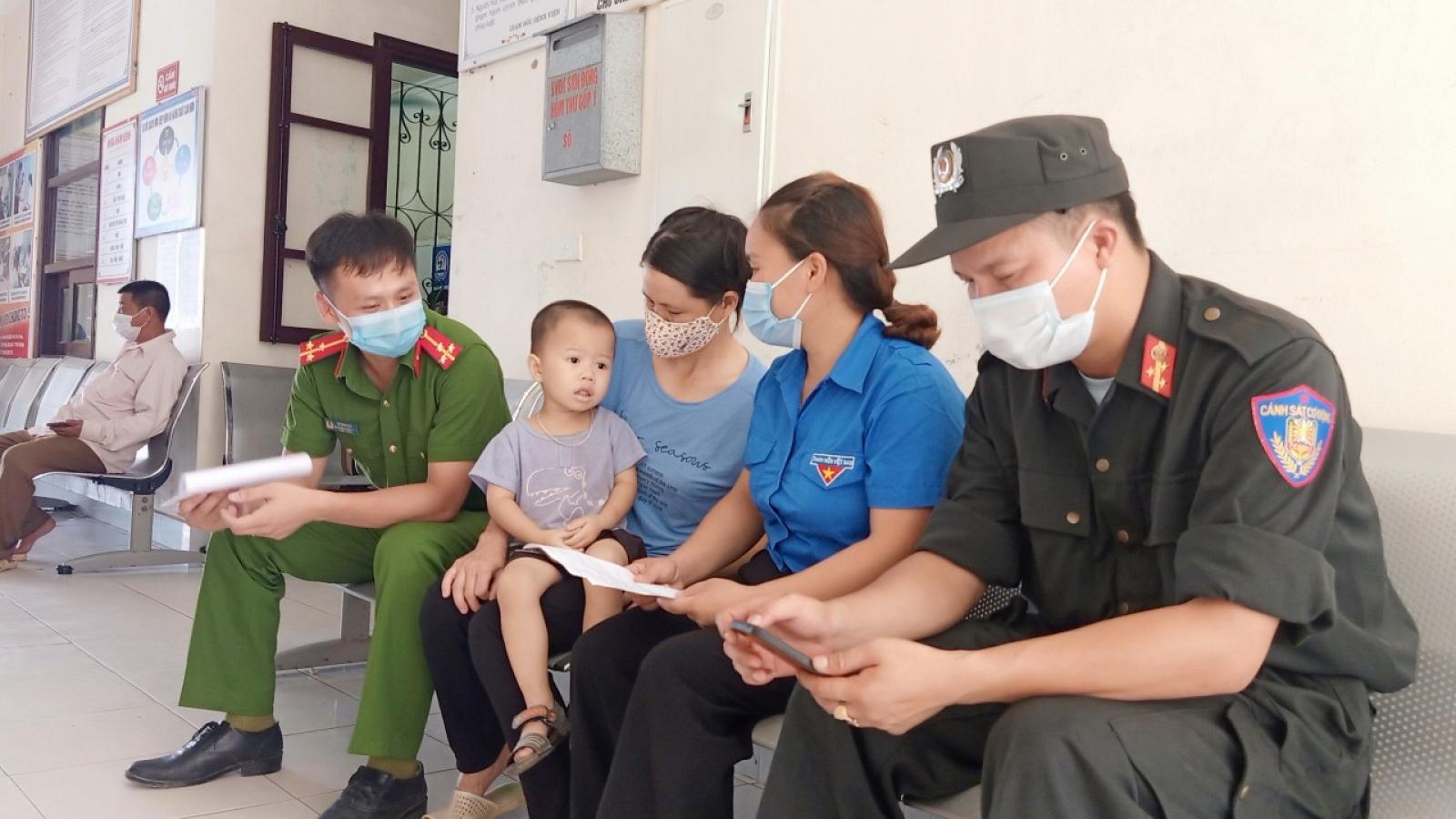 Giọt máu nghĩa tình của các chiến sĩ công an trong vùng phong tỏa ở Bắc Giang