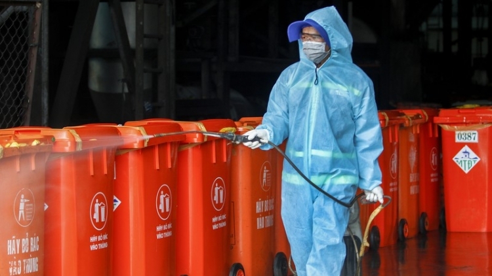 TP.HCM xử lý rác thải tại những khu vực cách ly, phong toả như chất thải nguy hại