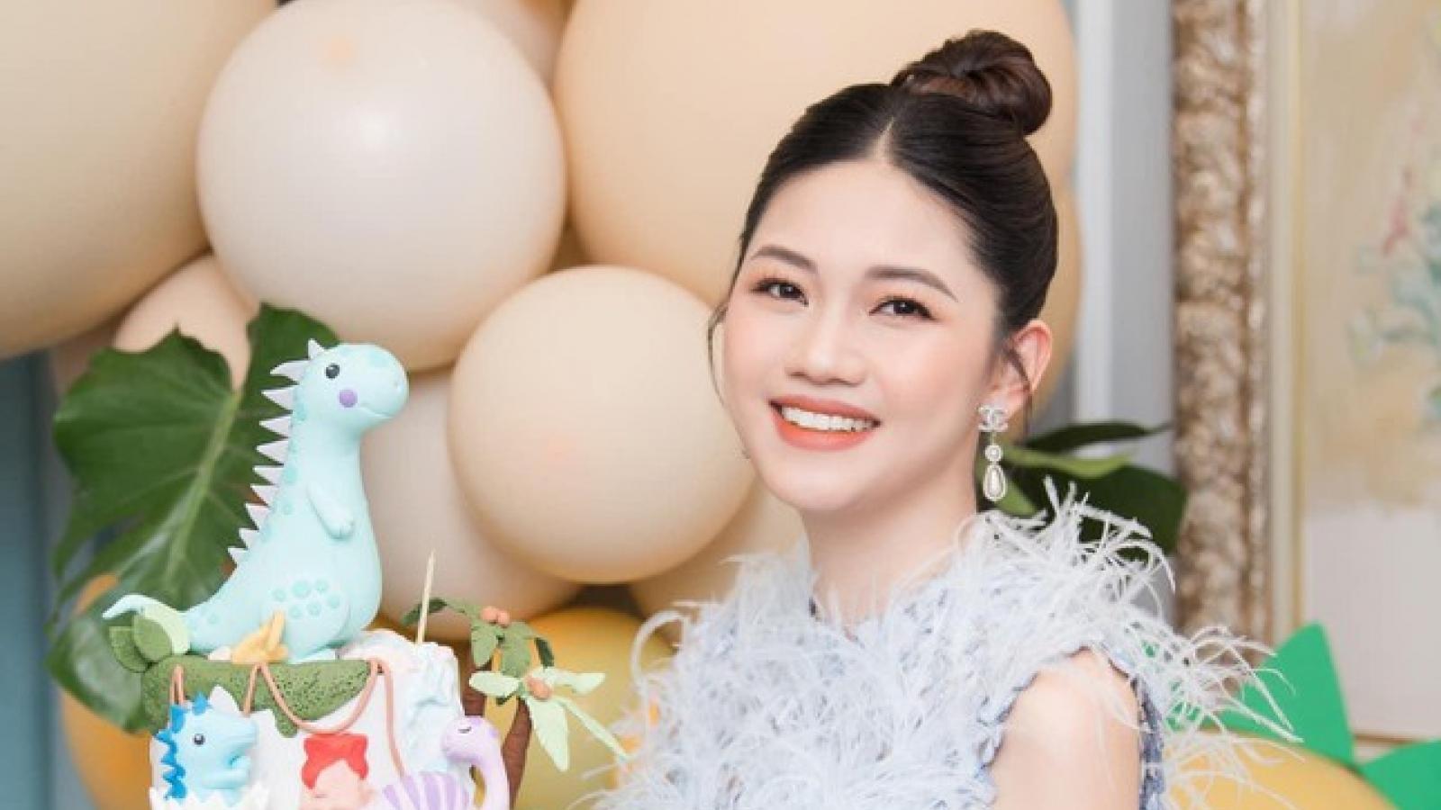 Á hậu Thanh Tú và chồng đại gia tổ chức tiệc sinh nhật cho con trai
