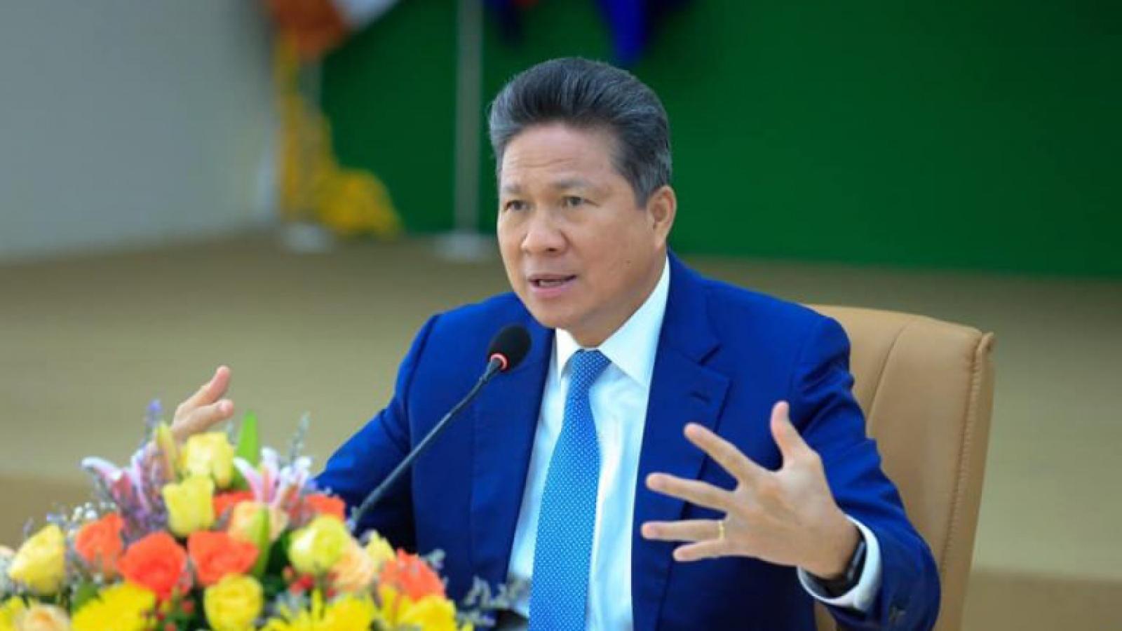 """Campuchia hủy thầu, """"trảm tướng"""" vì làm đường chất lượng kém"""