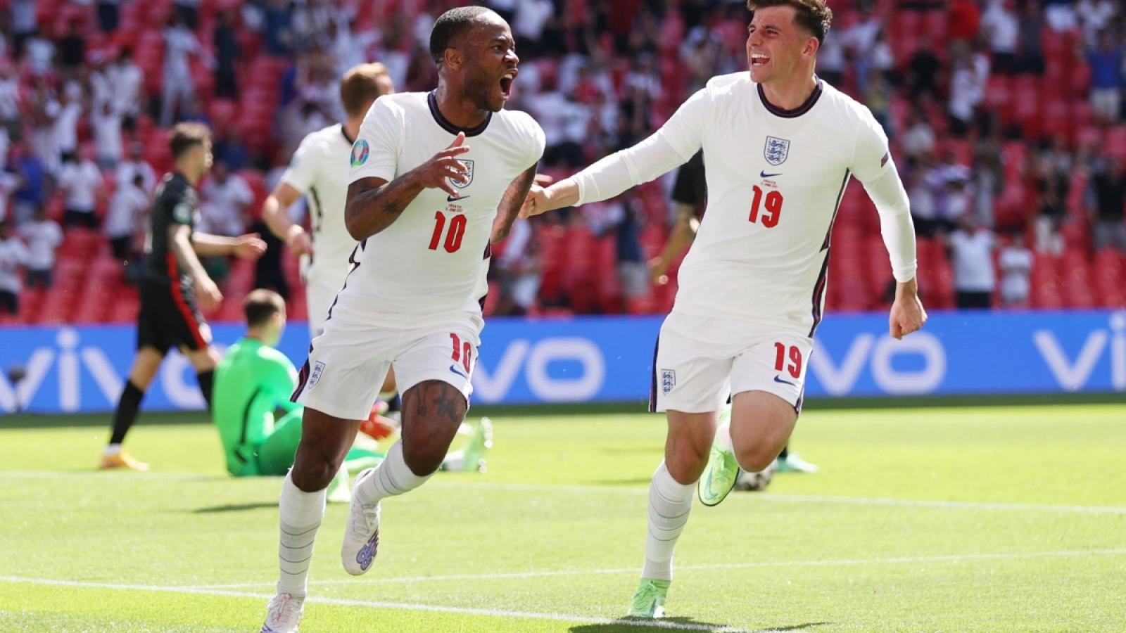 """Sterling tỏa sáng, ĐT Anh """"đòi nợ"""" thành công Croatia"""