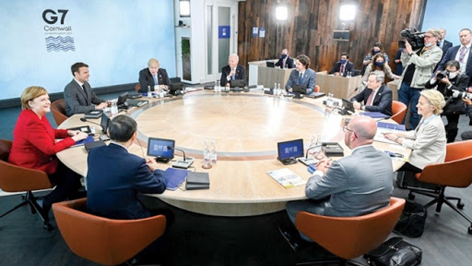 Ngày làm việc thứ hai của Thượng đỉnh G7: 40.000 tỷ USD để xây dựng thế giới tốt đẹp hơn
