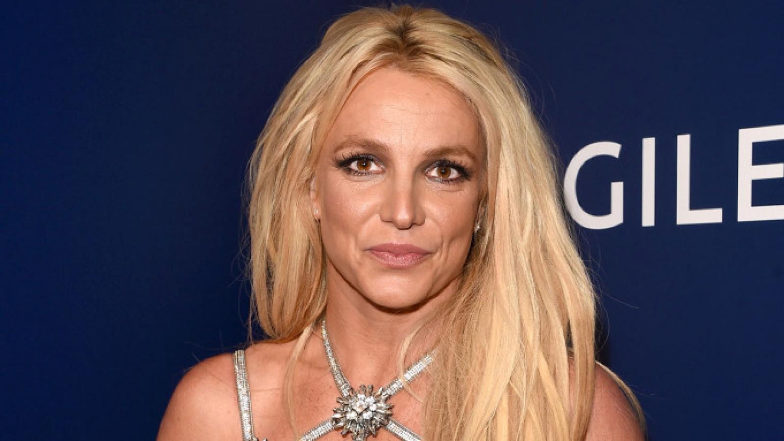 """Hollywood chấn động với chia sẻ """"sống như nô lệ"""" của Britney Spears"""