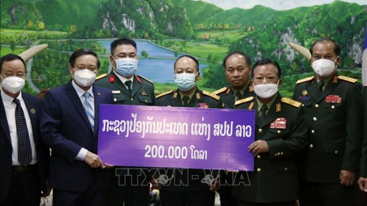 Lao Defence Ministry donates US$200,000 to Vietnam's COVID-19 fight