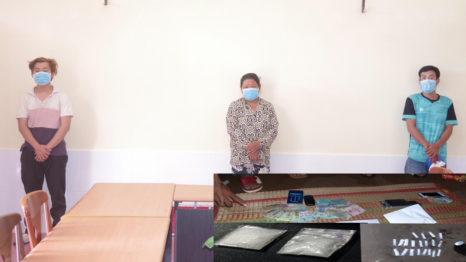 Bắt 3 đối tượng tàng trữ, sử dụng trái phép chất ma túy tại Sóc Trăng