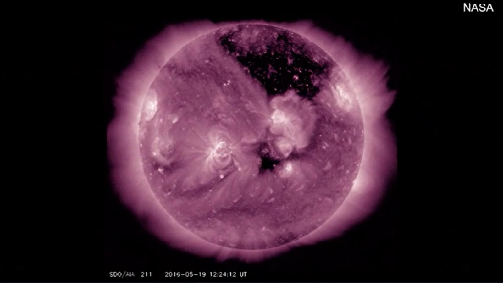 Nhìn lại những hình ảnh ấn tượng về Mặt trời được NASA ghi lại trong thập kỷ qua