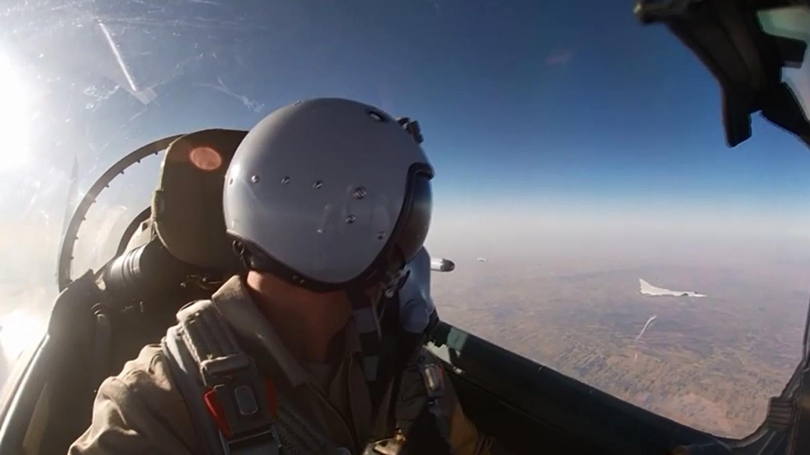 Tiêm kích MiG-31K và máy bay ném bom Tu-22M3 của Nga cùng diễn tập ở Địa Trung Hải