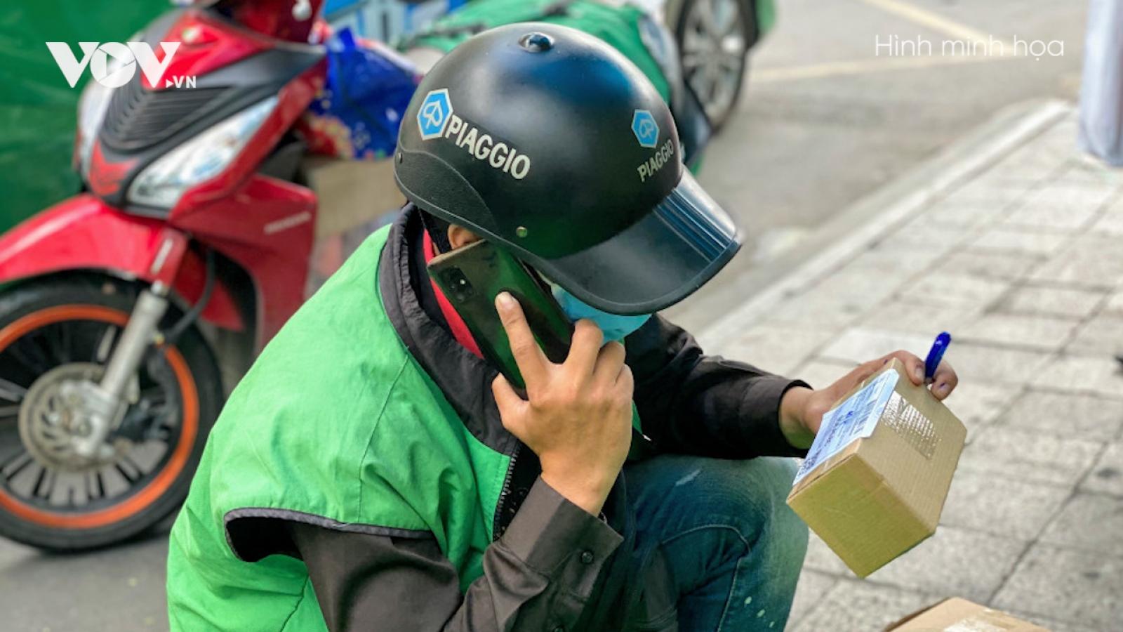 Nóng 24h: Vờ hỏi đường rồi cướp điện thoại của shipper tại Hà Nội