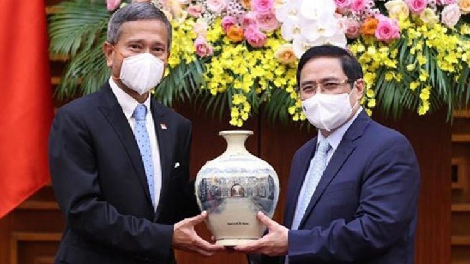 VN leaders encourage Singaporean investment in Vietnam