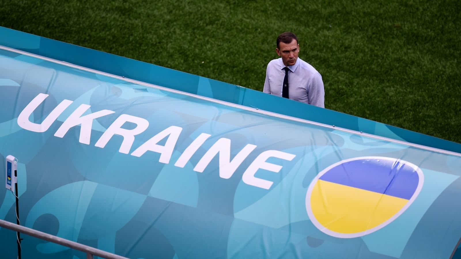 Trực tiếp Ukraine 0-1 Áo: HLV Shevchenko bất lực