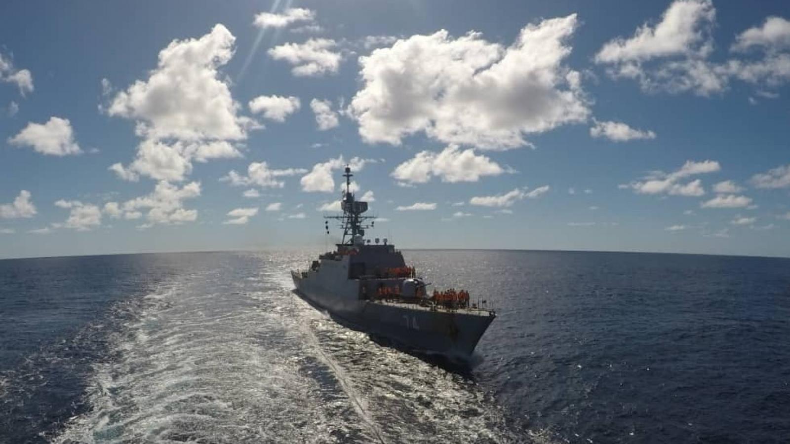 Video: Tàu chiến Iran lần đầu tiên đi vào Đại Tây Dương