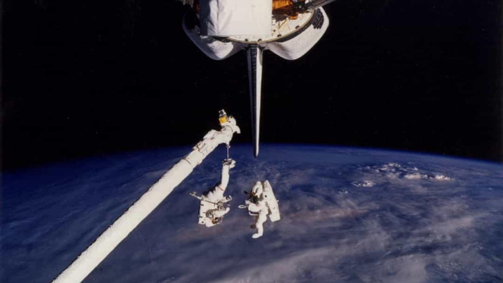 Khoảnh khắc hiếm hoi về cuộc sống của các phi hành gia trên Trạm Vũ trụ Quốc tế (ISS)