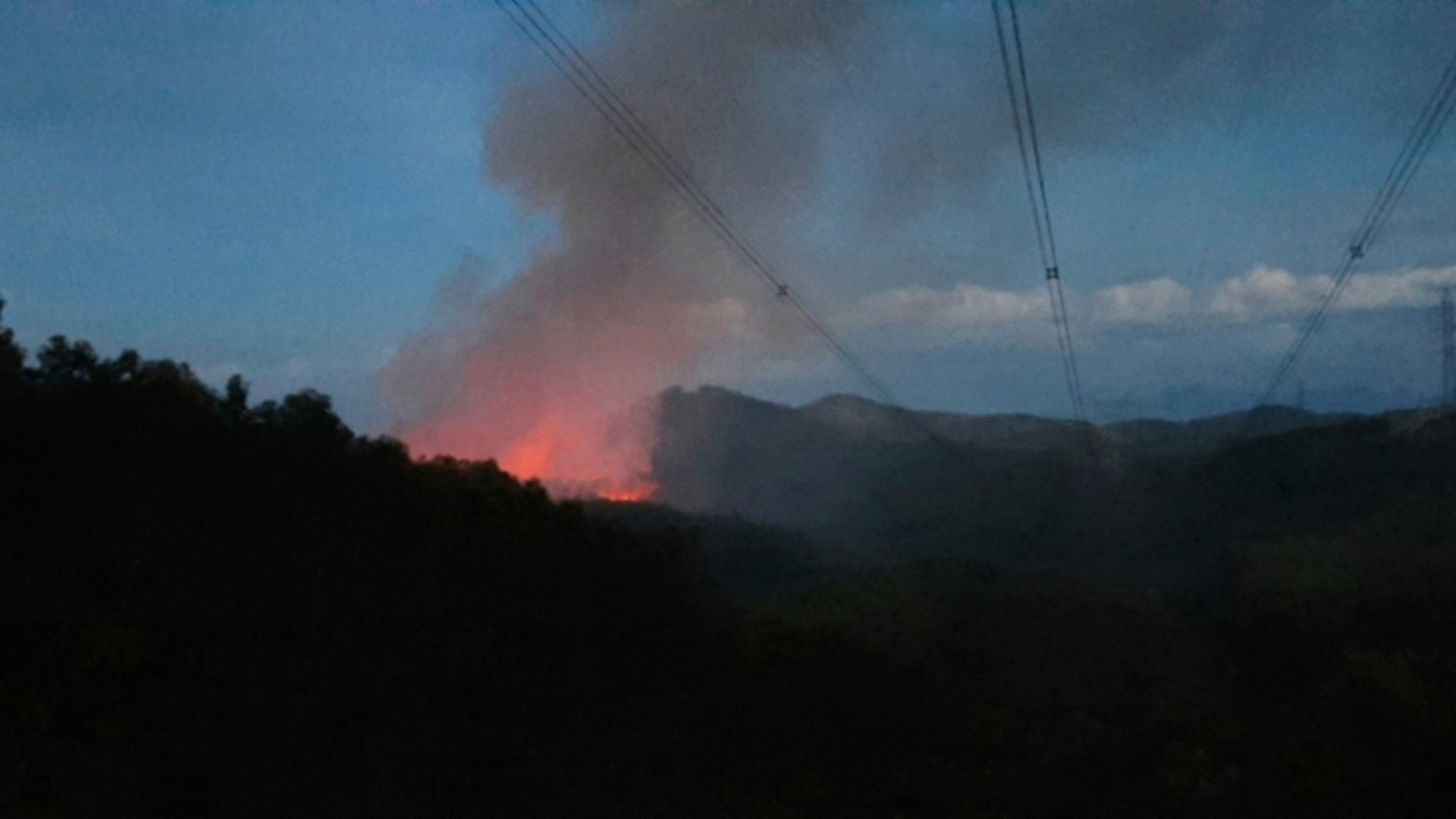 Cháy rừng tại Thừa Thiên Huế, nguy cơ rất cao ảnh hưởng Hệ thống truyền tải điện Bắc - Nam