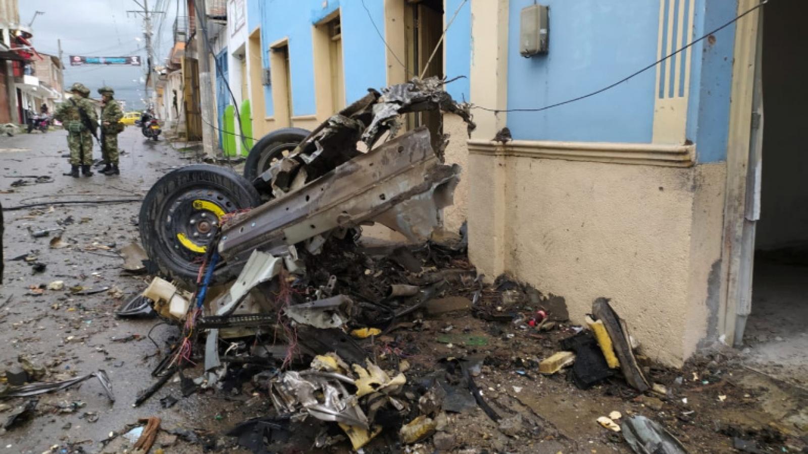 Nổ bom xe tại căn cứ quân sự ở Colombia