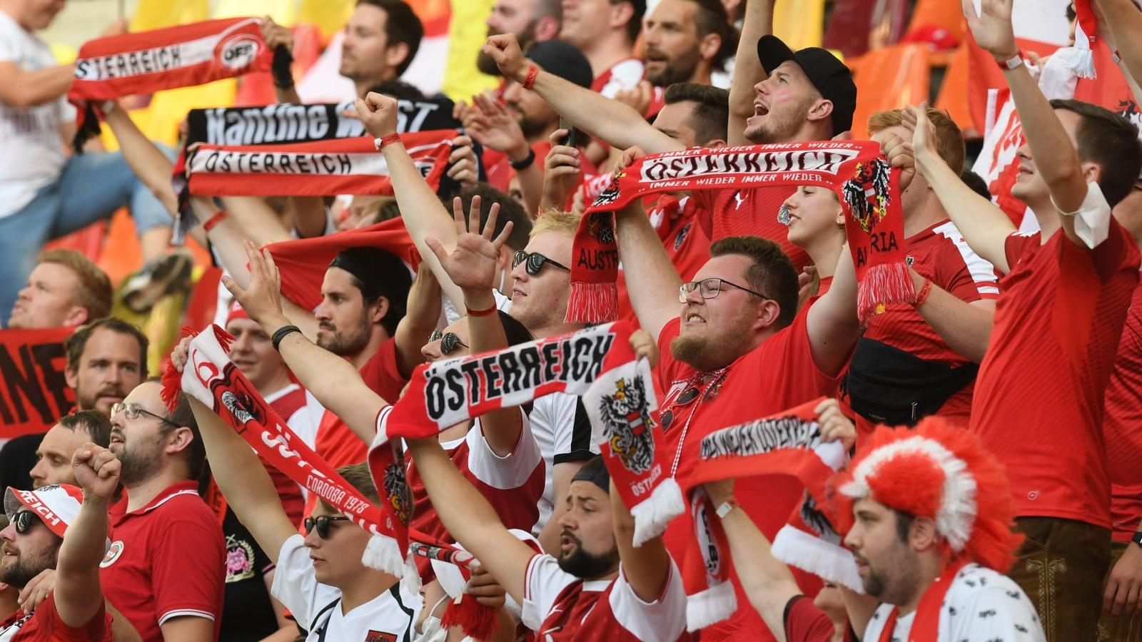 Trực tiếp Ukraine 0-1 Áo: Alaba đóng vai kiến tạo