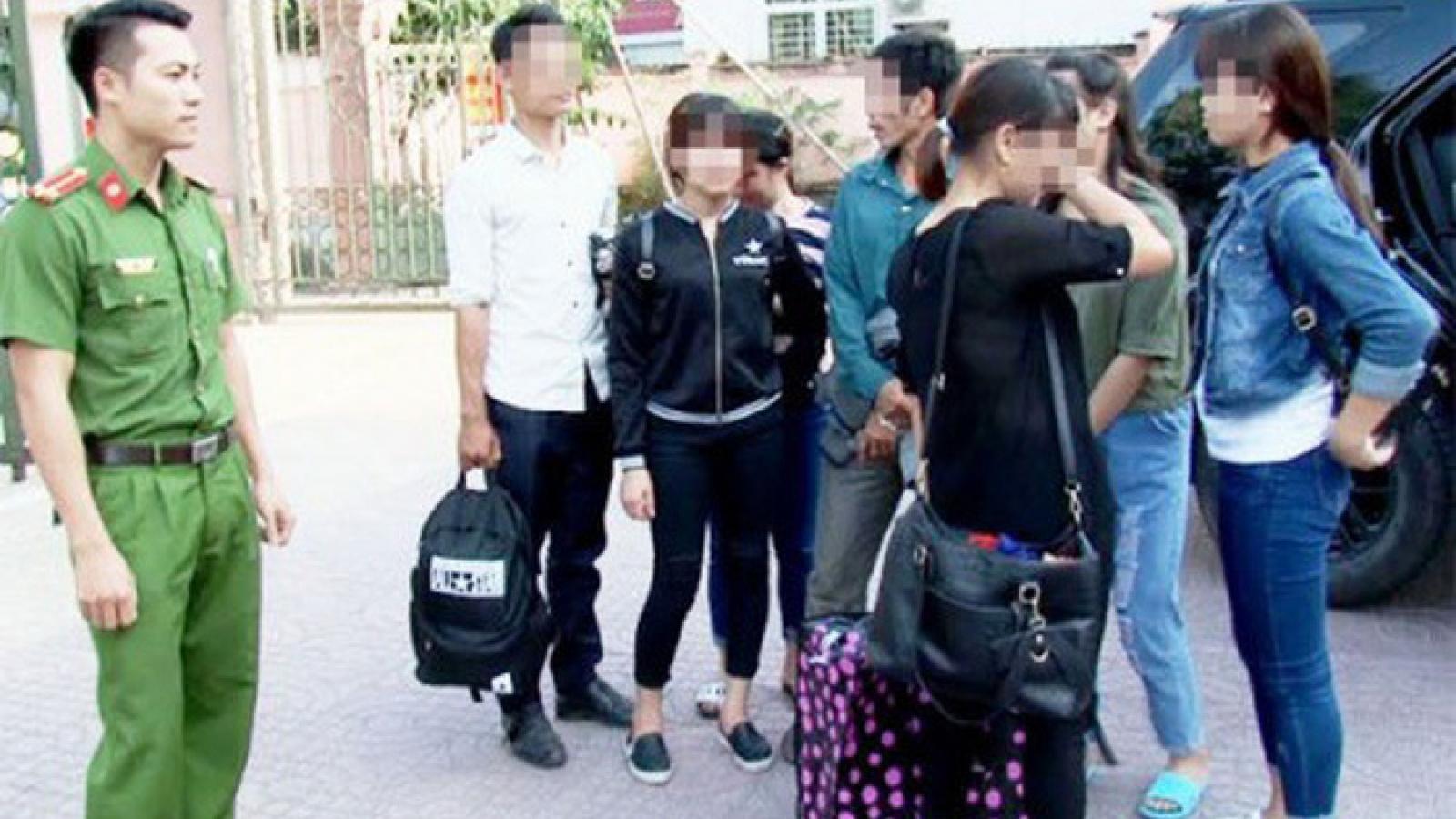 """Lời khai của """"tú ông"""" vụ buôn bán các bé gái ở Nam Định"""