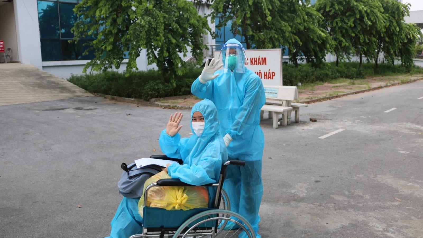 Bệnh nhân COVID-19 nguy kịch đã được xuất viện sau 6 lần phải điều trị lọc máu