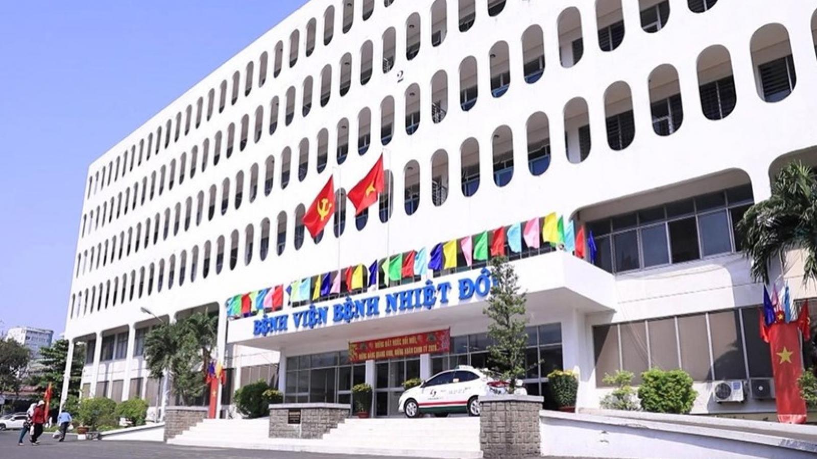Phong tỏa Bệnh viện Bệnh nhiệt đới TP.HCM, yêu cầu nhân viên y tế chỉ ở nhà sau giờ làm