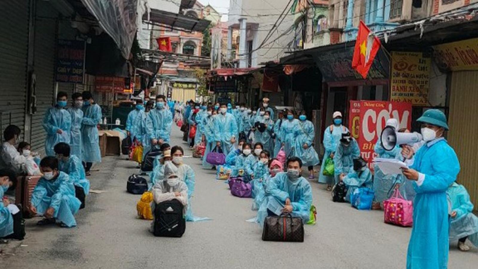 Nhiều cán bộ ở Bắc Giang bị phê bình vì chưa làm tốt công tác chống dịch
