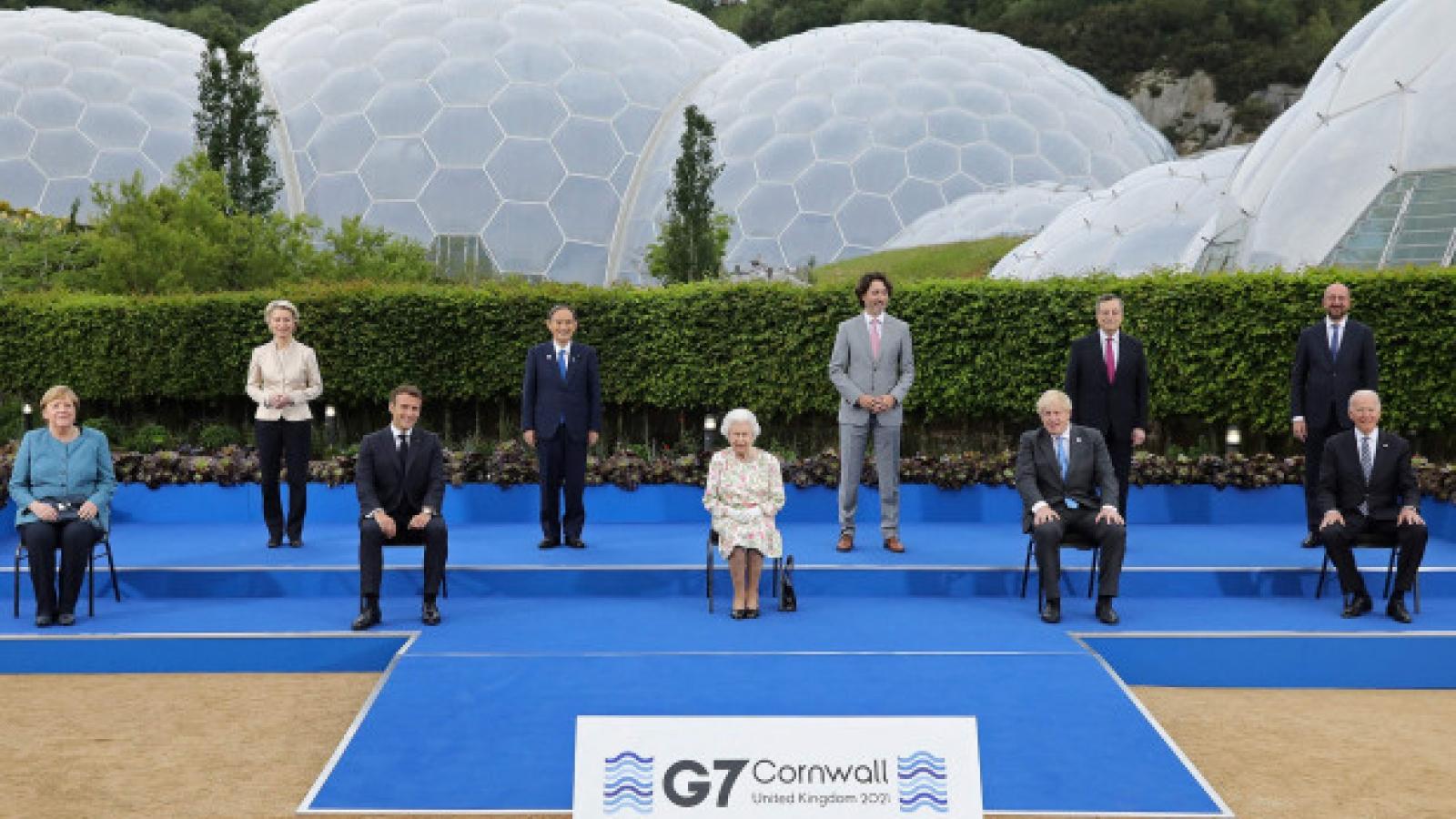 Những hình ảnh bên lề của các nhà lãnh đạo tại Hội nghị Thượng đỉnh G7