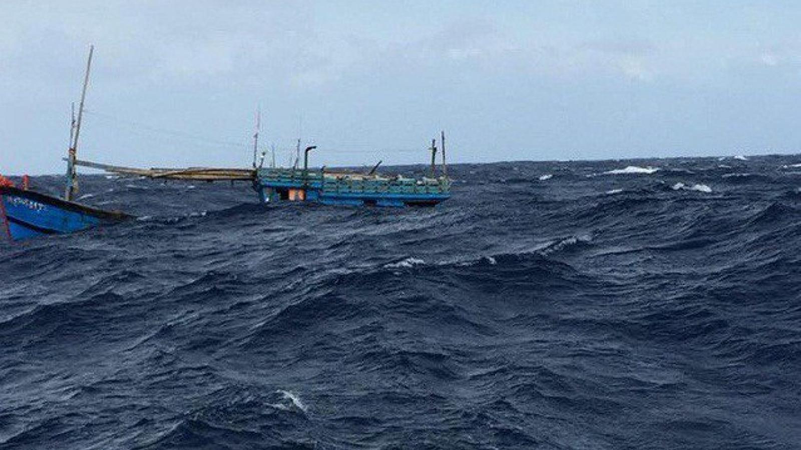 Tìm thấy ngư dân thứ 2 trôi dạt trên vùng biển Thanh Hóa