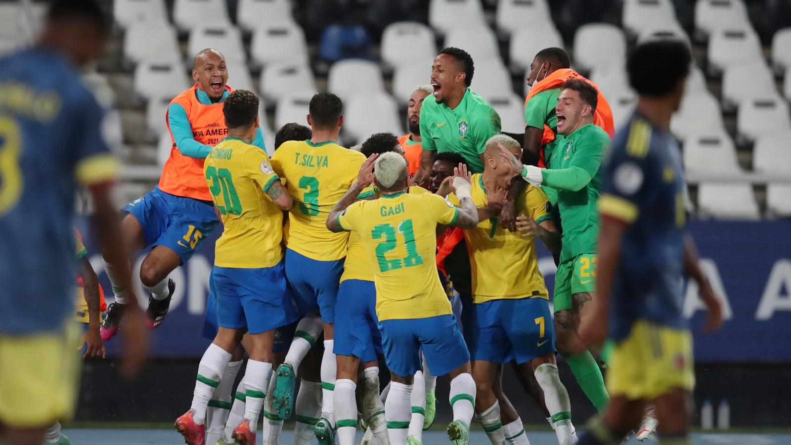 Neymar kiến tạo phút 100, Brazil vào tứ kết Copa America 2021 với ngôi nhất bảng