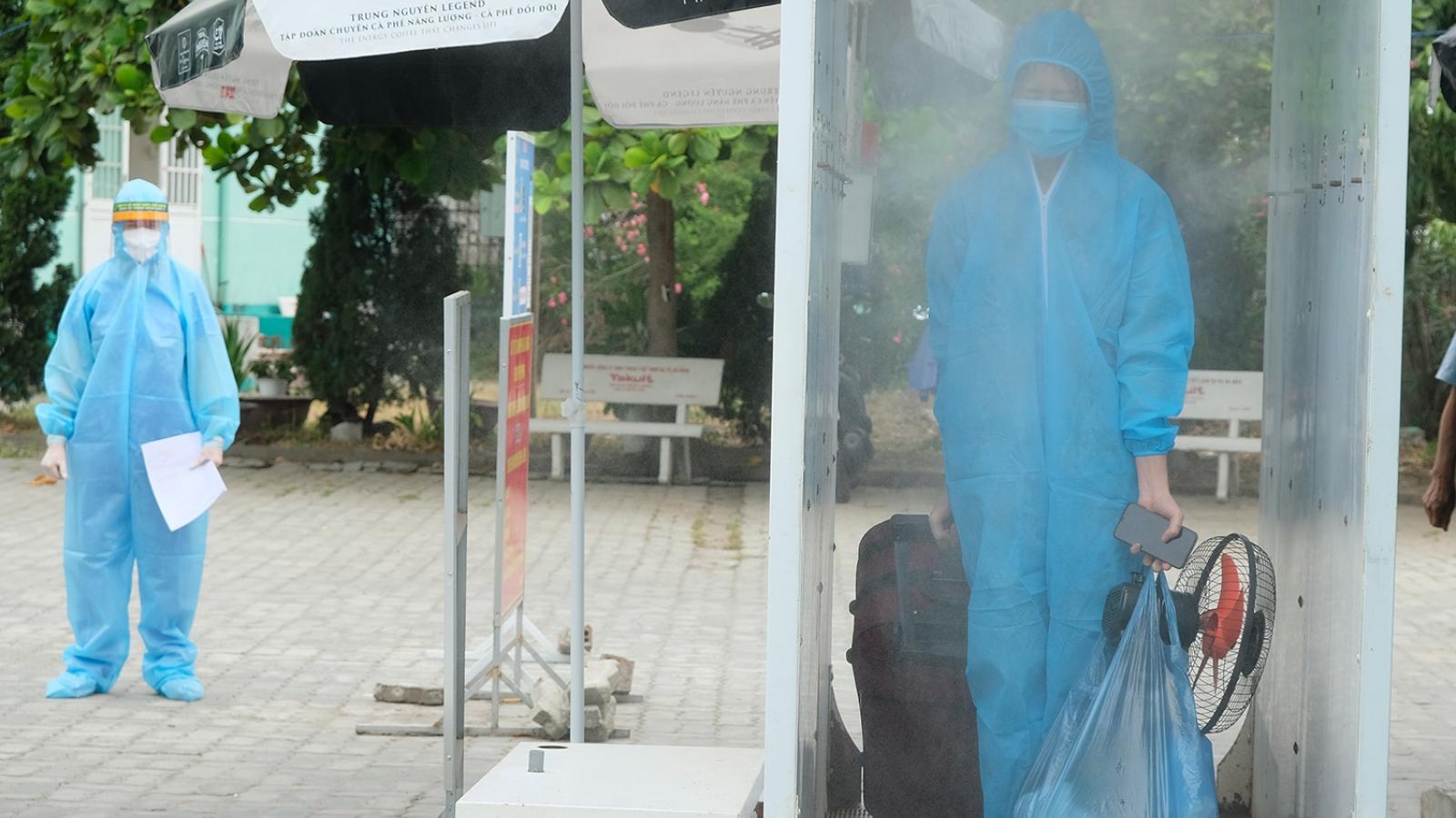 Bệnh viện Phổi Đà Nẵng công bố 7 bệnh nhân điều trị khỏi COVID-19