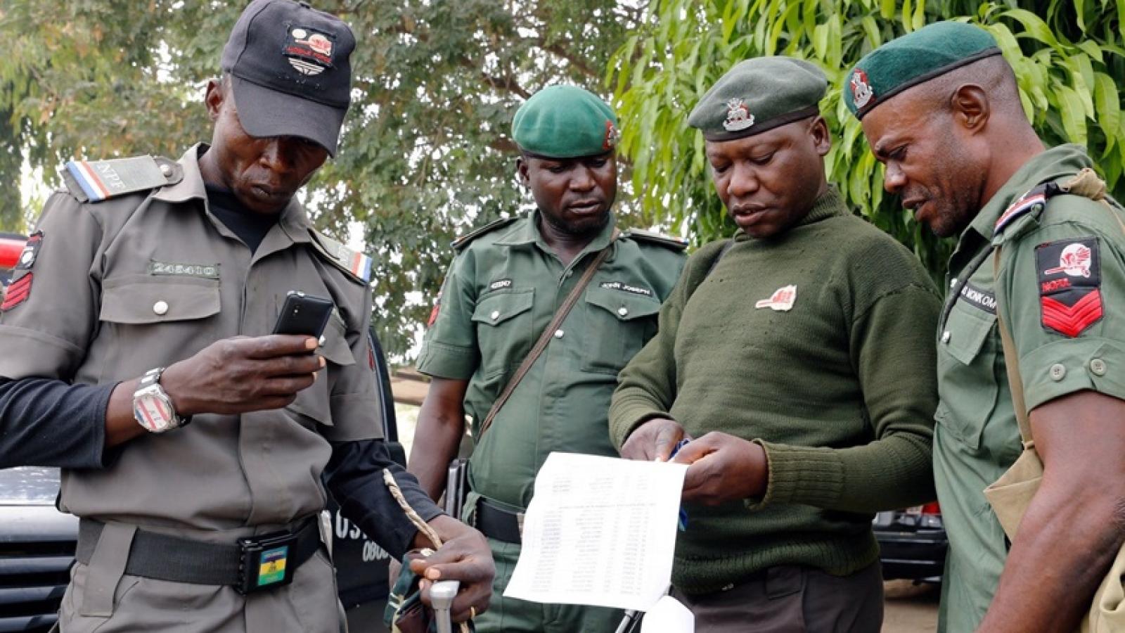 Tổng thống Nigeria chỉ thị cơ quan an ninh sớm giải cứu số học sinh bị bắt cóc