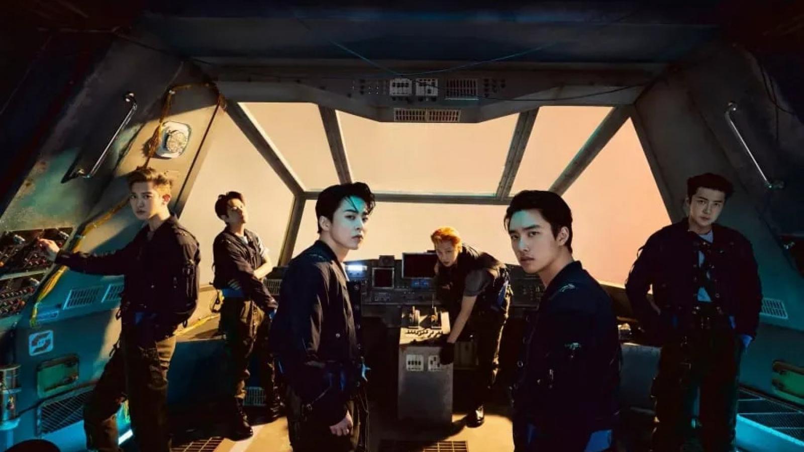 """Nhóm nhạc EXO tái xuất bùng nổ với MV """"Don't fight the feeling"""""""