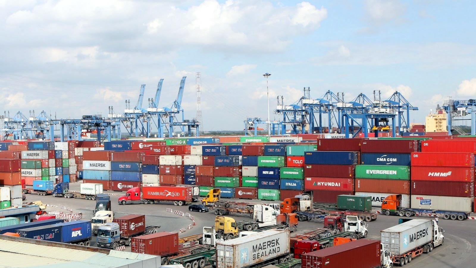 TP.HCM muốn lùi thời hạn thu phí hạ tầng cảng biển sang tháng 10/2021