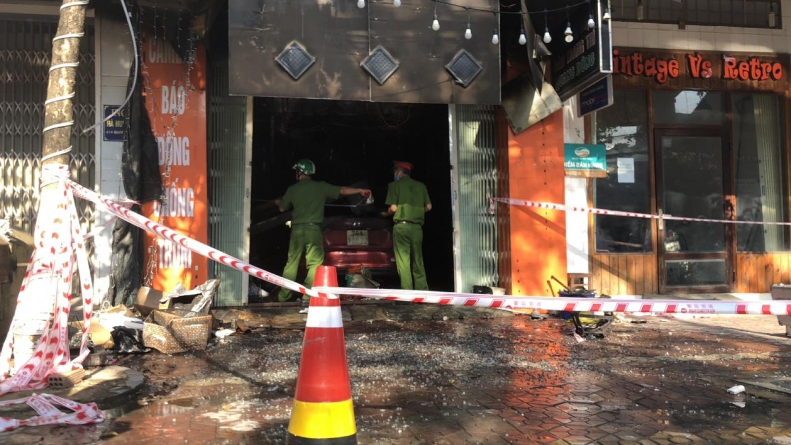 Chủ tịch UBND tỉnh Quảng Ngãi thăm hỏi, hỗ trợ gia đình 4 nạn nhân tử vong trong vụ cháy