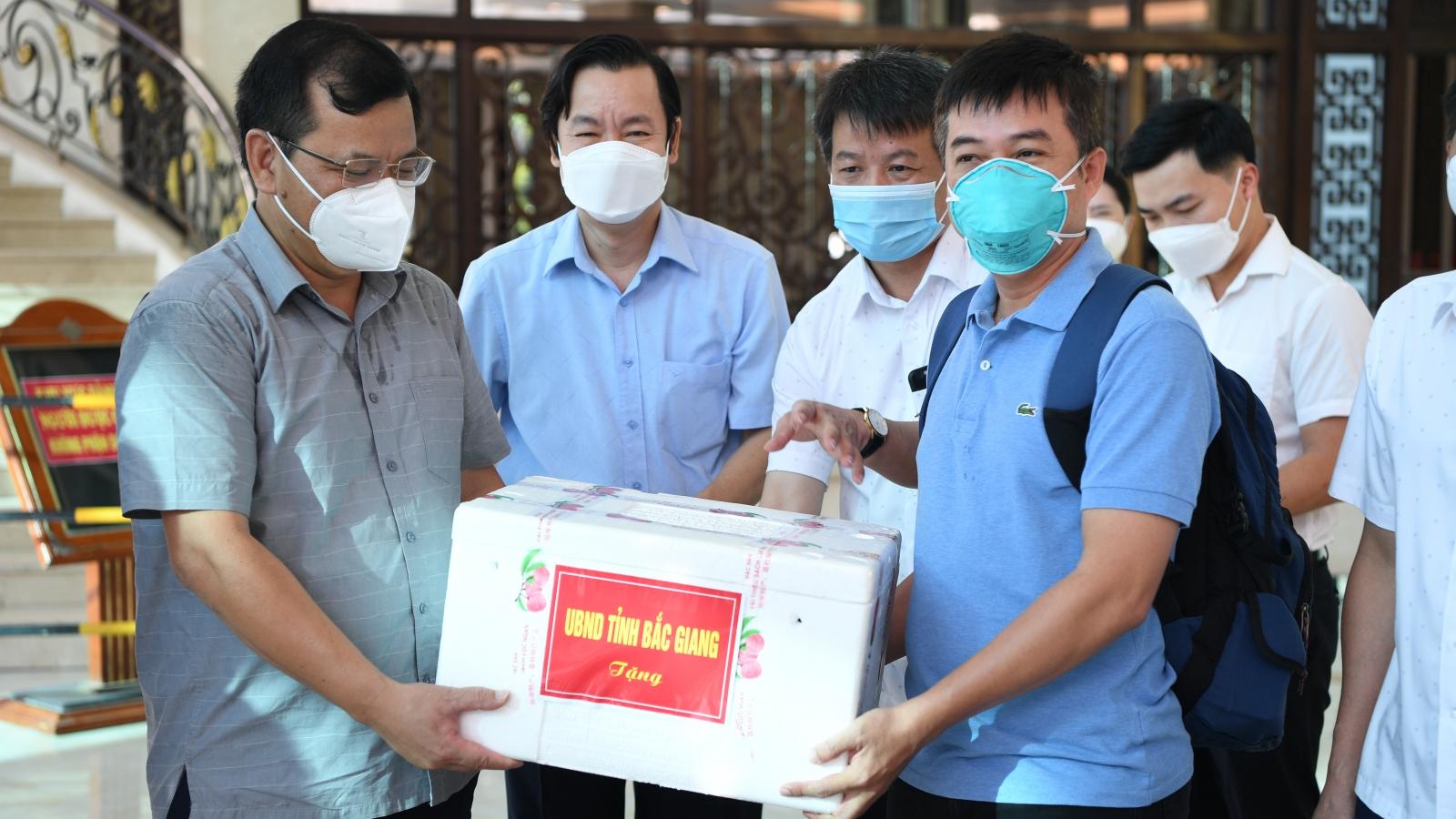 Đội phản ứng nhanhBệnh viện Chợ Rẫy chia tay Bắc Giang trở về TP.HCM chống dịch